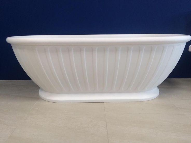On instagram by salon_santehniki_minsk  #arcade #microhobbit (o)  http://ift.tt/1RR7q4Y  Овальная отдельностоящая каменная ванна Arcade #designer #кварил #ретро #элитнаясантехника#англия#италия#золото#дизайнер #дизайнинтерьера