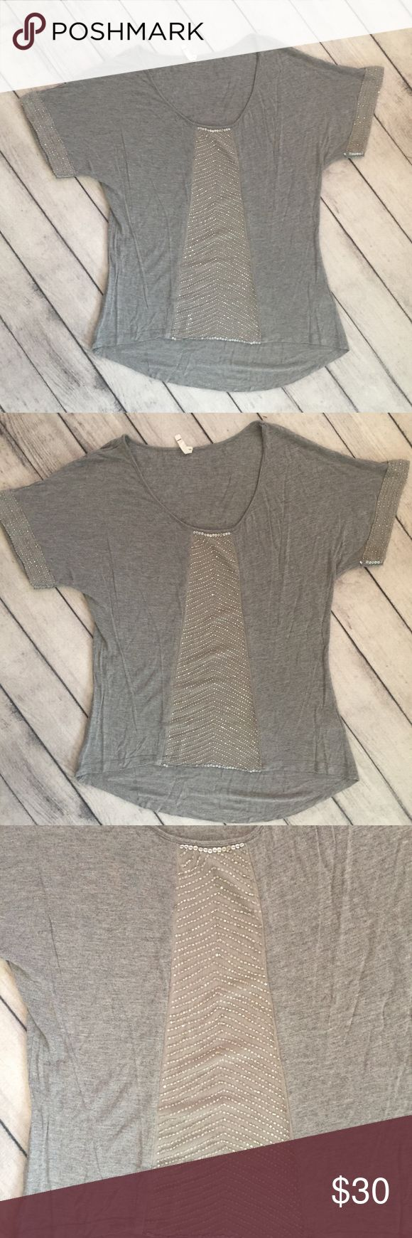 Anthropologie Willow & Clay Women's Knit Top, Sz M Williow & Clay for Anthropologie women's knit top. Size M. Gray with silver sequins.  Excellent condition! Willow & Clay Tops Tees - Short Sleeve