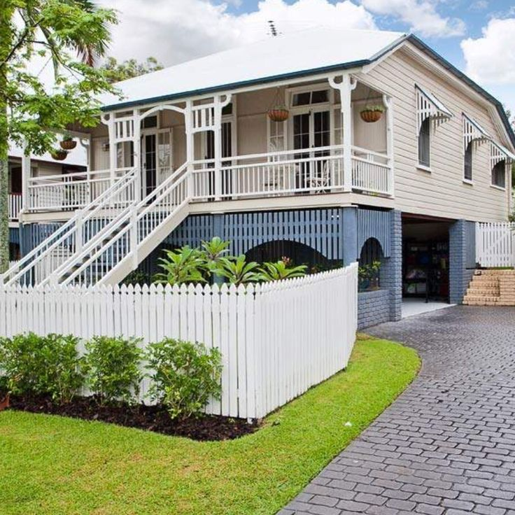 Verandah pailings | Queenslander house, Cottage style ...