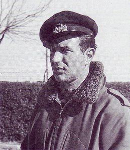 Luigi Gorrini. Medaglia d'Oro al Valor Militare. Durante la seconda guerra mondiale gli sono accreditati 19 aerei abbattuti