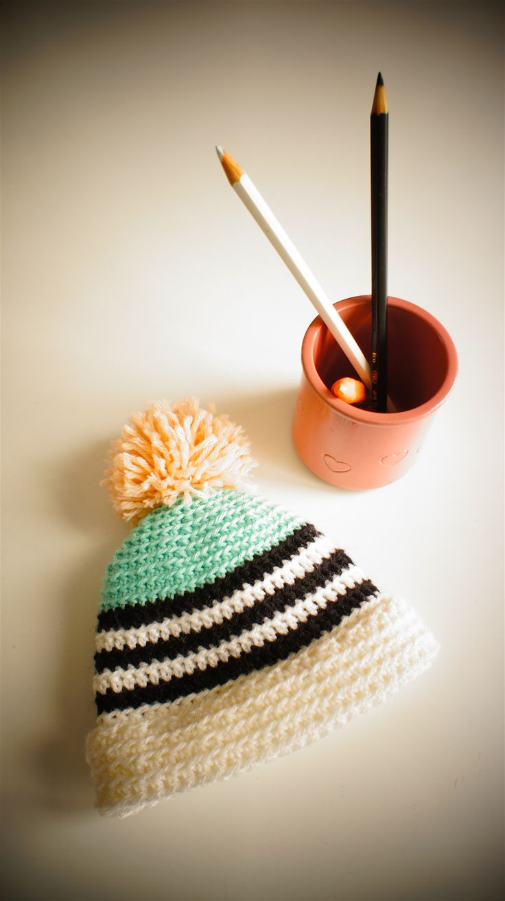 Newborn hat. Designed and crocheted by PETIT MORICZ Hand made in Switzerland