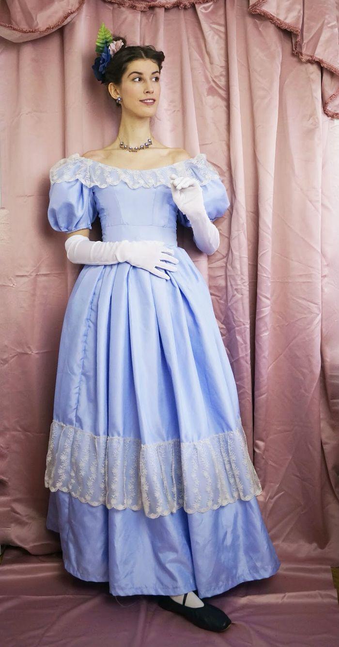 1830s ball gown. www.domowakostiumologia.blogspot.com