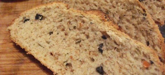 Δες εδώ μια πολύ νόστιμη συνταγή για ΕΛΙΟΨΩΜΟ ΠΑΡΑΔΟΣΙΑΚΟ ΑΓΙΟΡΕΙΤΙΚΟ ΜΕ ΚΡΕΜΜΥΔΙ ΚΑΙ ΡΙΓΑΝΗ, μόνο από τη Nostimada.gr