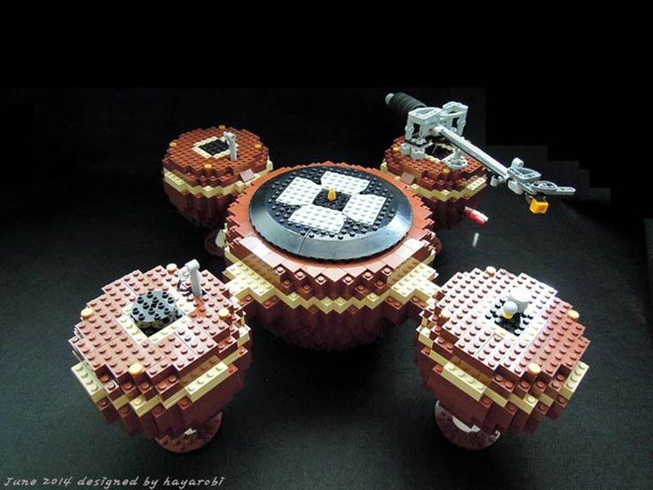 The Planet – Une platine vinyle vintage entièrement fonctionnelle en LEGO
