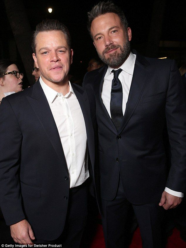 Contracting Change Monday Matt Damon And Ben Affleck S Production Company Pearl Street Fi Matt Damon Ben Affleck Manchester By The Sea
