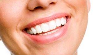 http://abcpuntoradiotenerife.es/blanqueamiento-dental-casero-como-blanquear-los-dientes/ Nuestra sonrisa es una de las partes pero esenciales de nuestro cuerpo. No vuelvas a esconder tus dientes. Consigue que siempre esten relucientes.  A dia de hoy, son muchas las personas que se preocupan por blanquear sus dientes a fin de que siempre y en todo momento esten