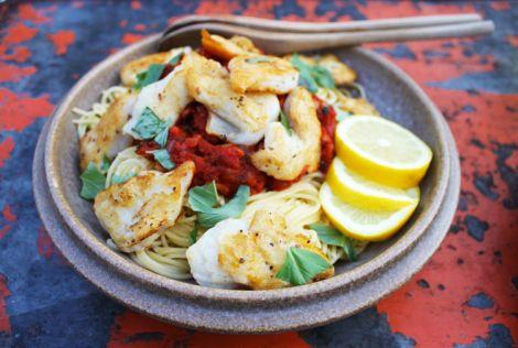 First Eet recept: spagetti met tomatensaus en vis
