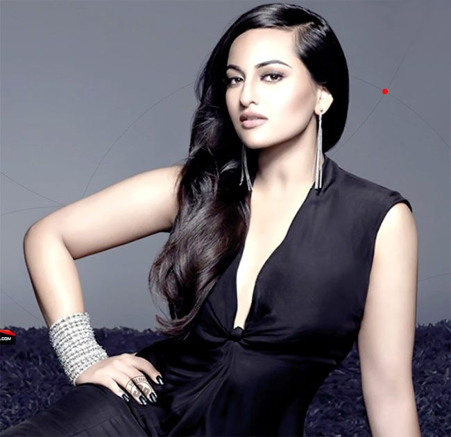 Sonakshi Sinha likes to style herself !!! #SonakshiSinha, who worked as a costume #designer before facing the cameras in films, has styled herself for few scenes in 'Action Jackson'. See here: http://goo.gl/VCcedu