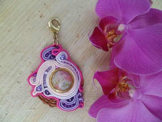 Handmade soutache keychain. Vegan friendly. One of a kind.