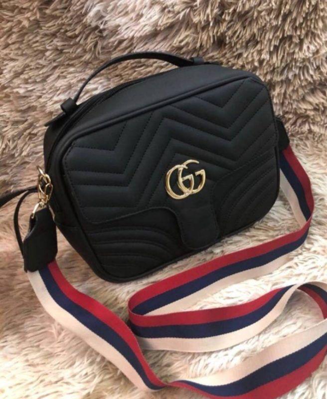 4a612b964 Bolsa Gucci GG Marmont – Preta – Couro Sintético | Mochilas em 2019 ...