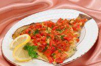 Блюдо на Новый год: камбала, запеченная с помидорами