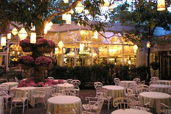 the patio of the Tavern on the Green...one of my favorite memories of NYC with my mom. Lunch was amazing...and beautiful