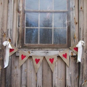 Os recuerdo que todavía estáis a tiempo de disfrutar de nuestra oferta de esta semana!!! Y además, os llega para San Valentín!  http://www.unabodaoriginal.es/es/guirnalda-rustica-banderines-corazones-rojos.html