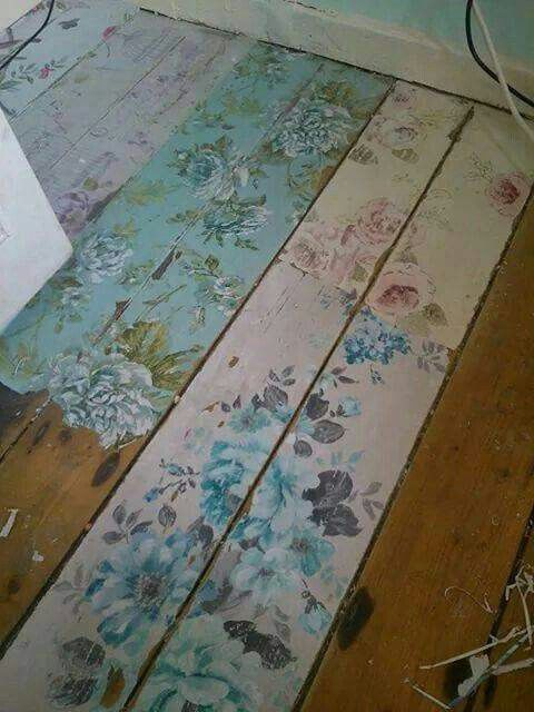 Shabby chic flower floor boards, what a cute, vintage idea for decorative flooring. Such a novel and unique idea.