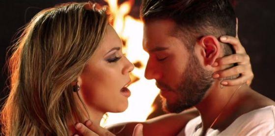 """Confira o clipe de """"Proposta Indecente"""", parceria da banda Cheiro de Amor com Lucas Lucco #Clipe, #Latino, #Novo, #NovoClipe http://popzone.tv/confira-o-clipe-de-proposta-indecente-parceria-da-banda-cheiro-de-amor-com-lucas-lucco/"""