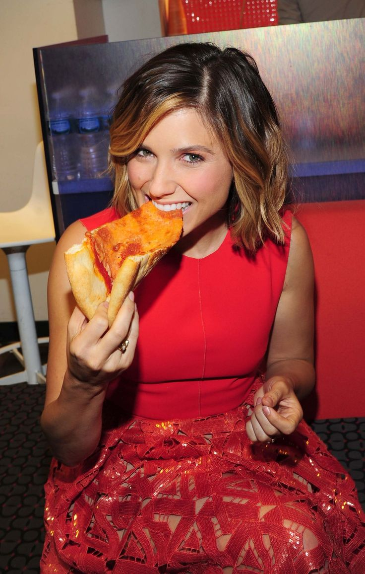 70 best Sophia Bush images on Pinterest | Sophia bush, Das jahr und ...