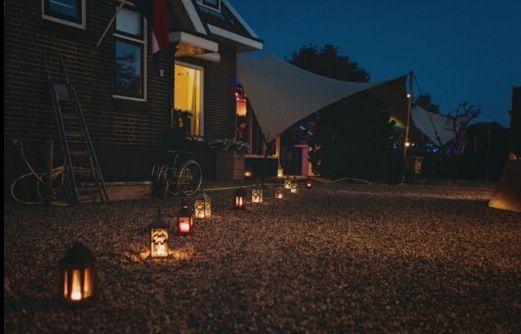 #wedding #outdoor #decoration #lights #candlelight #garden #party #stretchtent #tentworx  #bruiloft #buitenbruiloft #decoratie #lantaarns #kaarslicht #bruiloft #feest