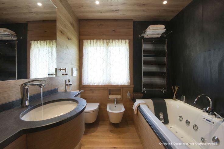 Modern wood bathroom - Arte Rovere Antico || Photo by Duilio Beltramone for Sgsm.it ||