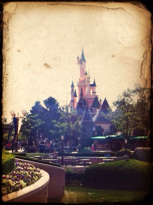 Love Disneyland Paris. Forever.