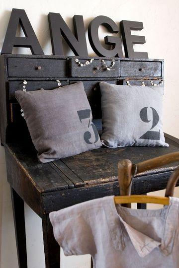 495 best meubles peints et patinés images on Pinterest Painted
