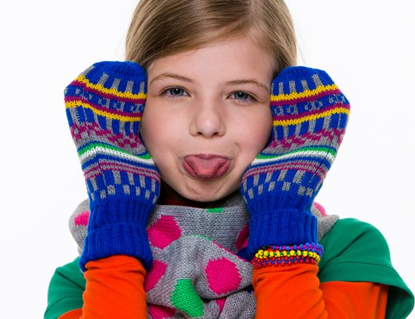 Cheerful mittens and scarf. By Veritas.