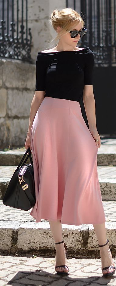 Pink + black outfit. Midi skirt. I love midi-length skirts. This outfit: elegant.