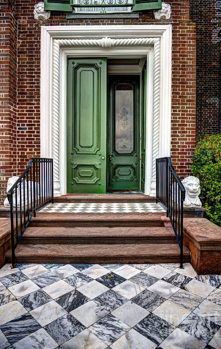 Charleston, South Carolina. Gorgeous entryway brick stone and green: