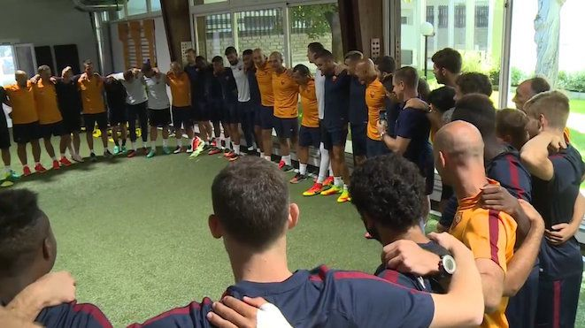 """With Serie A to kick-off next weekend, Roma manager, Luciano Spalletti, gets to some team bonding: """"Who do we run for? Who do we fight for? Who do we die for?"""" Roma's first match is at home v Udinese. 15.08.16"""