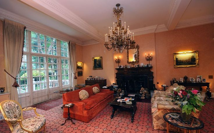 Another sitting room adjoining the dining room