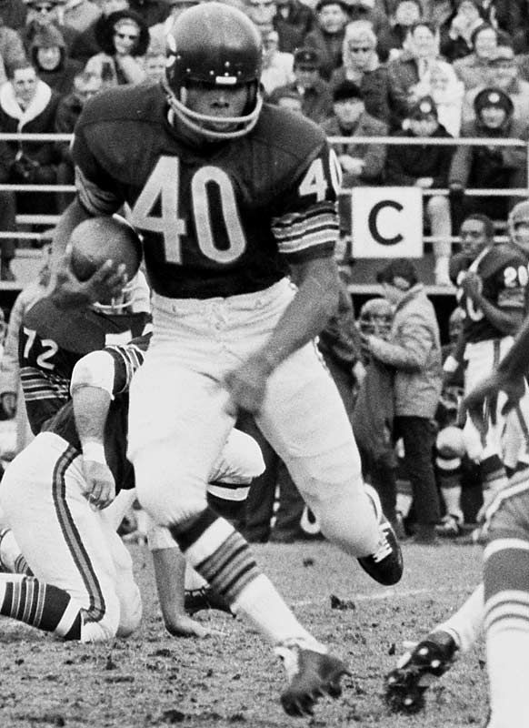 May 30, 1943 Gale Sayers, the youngest player ever to be elected to the Football Hall of Fame was born. A 1st Round  Pick(Chicago Bears), Mr Sayers  was a 4x  Pro Bowler, 5x All Pro selection, 1965 NFL Rookie of the Year, 3× Pro Bowl MVP, 2× NFL Rushing champion, scored an NFL record 22 touchdowns (as a rookie) & tied a single game record for touchdowns (6). The Chicago Bears retired his number (40). My dad and I met him Nov 8th 1993