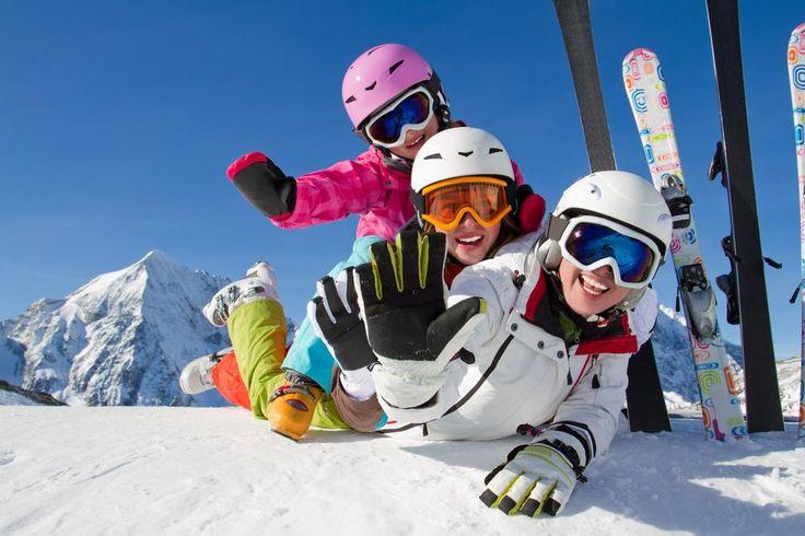 今年も冬になり、スキ・スノボが恋しいシーズンになってきました!しかし、全国色々なスキー場があって、どこにいくのがいいのやら・・・そんな声も聞きます。今回が楽天トラベルが発表したスキーで人気の旅行先ベスト5をまとめました。