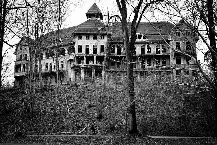 The Haunted House / Das Geisterhaus  Harald Hoyer from Schwerin, Germany