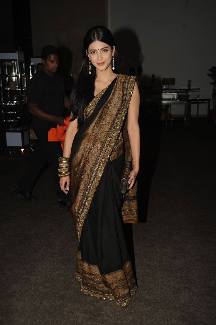 Shruti Hassan Style Saree | More collection of Celebrity Saree Collection @ www.prafful.com