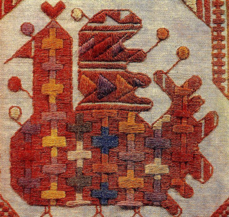 Вышивка на льняном полотне