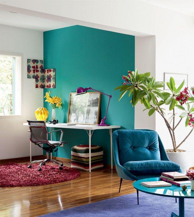 3 a ela, a parede pintada de azul, com tinta da Coral (Mar dos Golfinhos – tira176 Coral Dulux 90 GG 27/273), reforça a transição entre os ambientes.