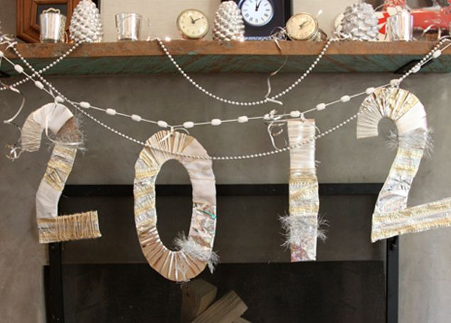New Year's Eve Banner Decor Ideas, Diy Banners, Eve, Christmas Scraps Cool, Years, Christmas Wraps, Christmas Scraps Good, Banners Thesocialnewyear, Scrappy Banners