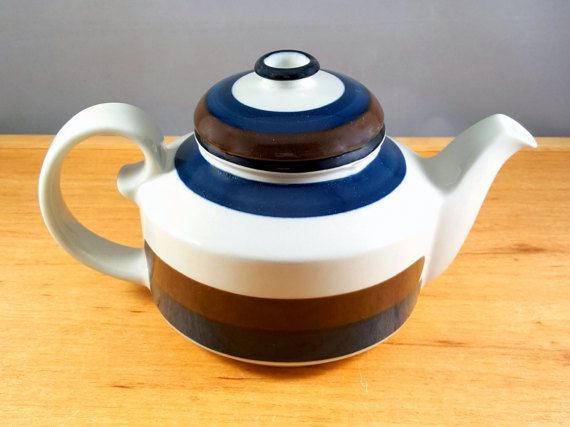 2 items from Arabia Finland Kaira teapot and bowl by Anja