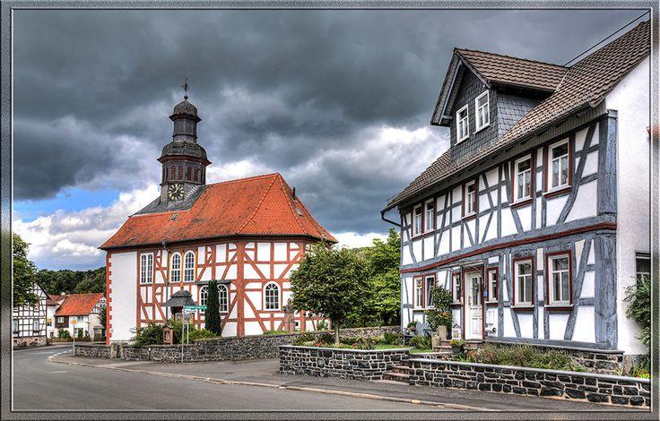 Eichelsachsen ist ein Stadtteil von Schotten im Vogelsbergkreis in Hessen.
