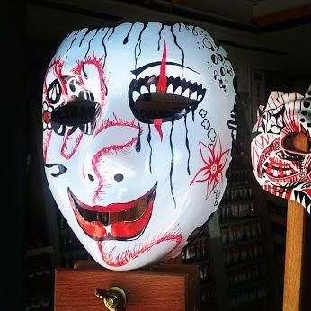 Tutto ciò che è profondo ama la #maschera Nietzsche  The #mask @ @fineartshopbari #colouracademybari #fineart #shop #bari #art #artist #themask #black #red #blackwhiteandred #trashpolka #chicano #horror #creepy #draw #drawing #pen #pencildrawing #ink #clown #face #pics_at_home #inkart #color #colorful #tripod