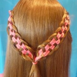 Tutorial: How to make a fun checkerboard braid. I wonder what this would look like with satin ribbon and flowers