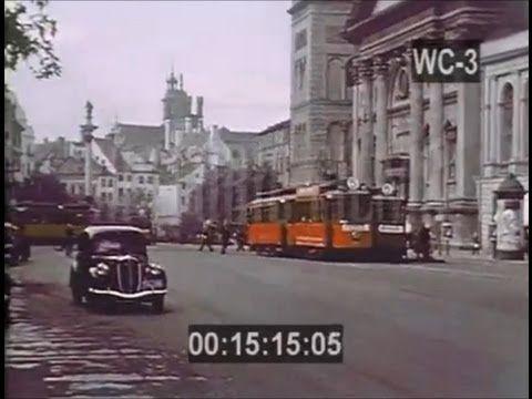 Mały Paryż, tak zagraniczni goście nazywali Warszawę lat 30. XX wieku. Wtedy naprawdę była sławna i wspaniała, miała prawdziwie światowy styl. Elegancja, kaw...