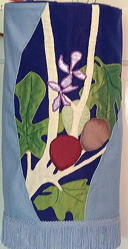 Fig mantle designed by Alison Shearman