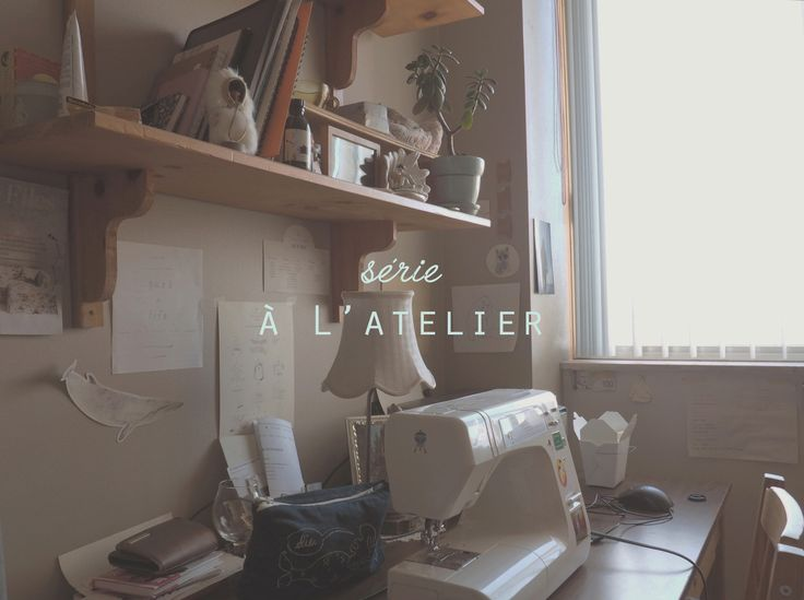 My desk! :: Mon bureau!