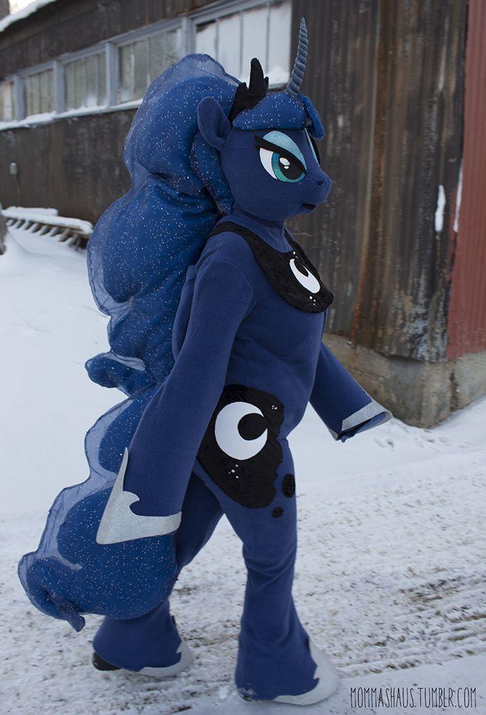 Princess Luna Cosplay/Fursuit