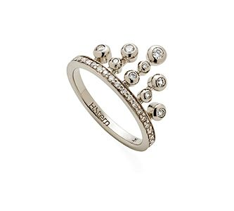 Anel de Ouro Nobre 18K com diamantes cognac - Coleção Jogo de Cartas - Modelo: A1B202413 Metal: Ouro Nobre 18K Pedra: Diamante R$ 6.030 em até 10X de R$ 603,00 Pagamento à vista (10% de desconto)