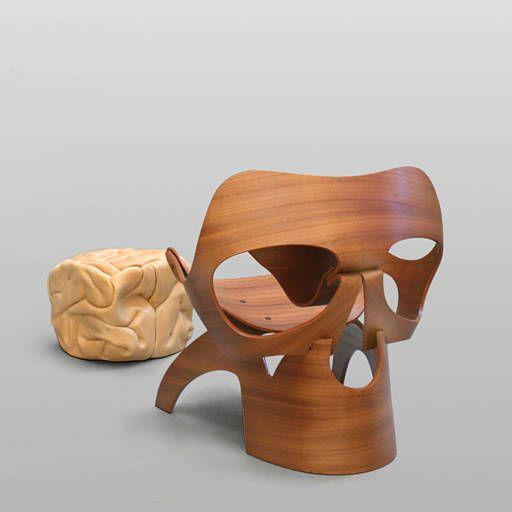 Skull chair with brainottoman