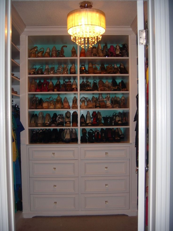 17 best images about walk in closet on pinterest walk for Walk in shoe closet