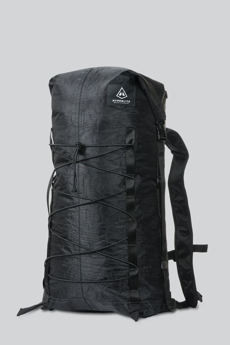 To create the Summit Pack, Hyperlite Mountain Gear took the minimalist elements of our urban Metro Pack and coupled it with the functional elements of their best-selling Porter pack. The result is a s