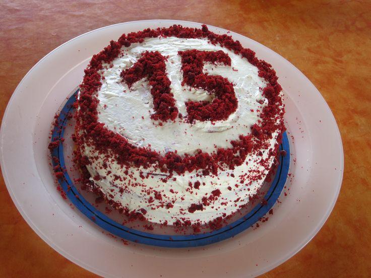 ho appena compiuto 15 anni e mi sono fatta la torta. Sono io la pasticcera di casa.  RED VELVET CAKE!!!!!! :0)