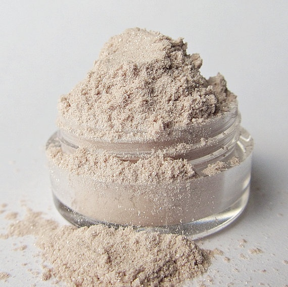 Mineral Eyeshadow ' Sand Dollar by MyBeautyAddiction on Etsy, $5.00    Exactly what I need for a browbone shade!: Etsy, Minerals Eyeshadows, Mybeautyaddict, Sand Dollars, Sands Dollar, 5 00, Browbon Shades